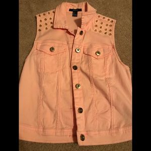 Forever 21 studded spike peach vest button up